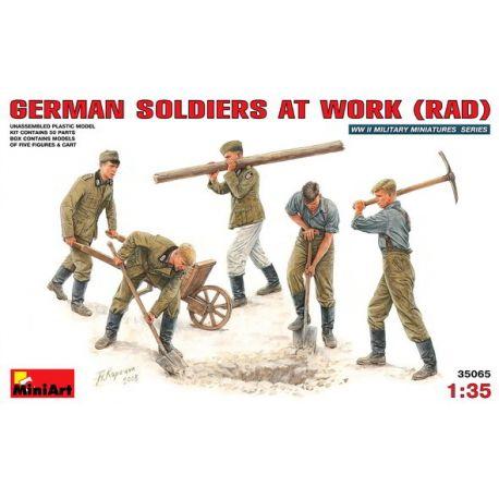 Soldados Alemanes Trabajando