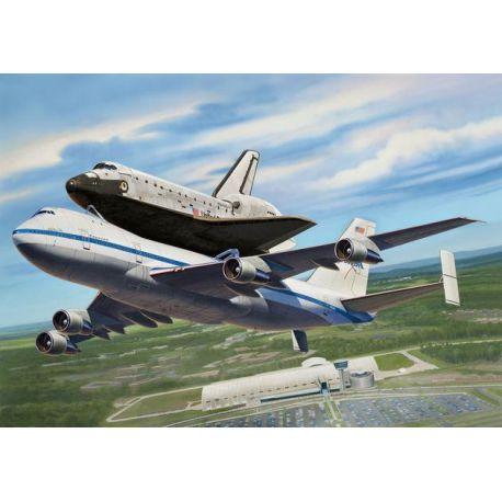 Boeing 747 SCA + Transbordador Enterprise