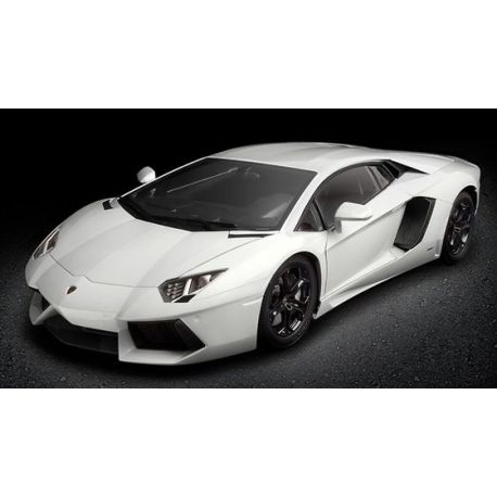 Lamborghini Aventador LP 700-4 (Color Blanco)
