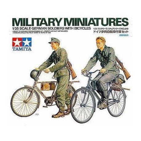 Soldados Alemanes con Bicicletas