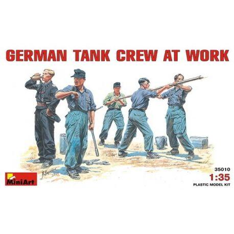 Tripulación Tanquistas Alemanes Trabajando