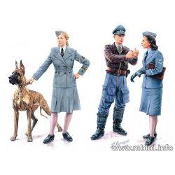 Womwn at War - Germany Luftwaffe Helferinnen